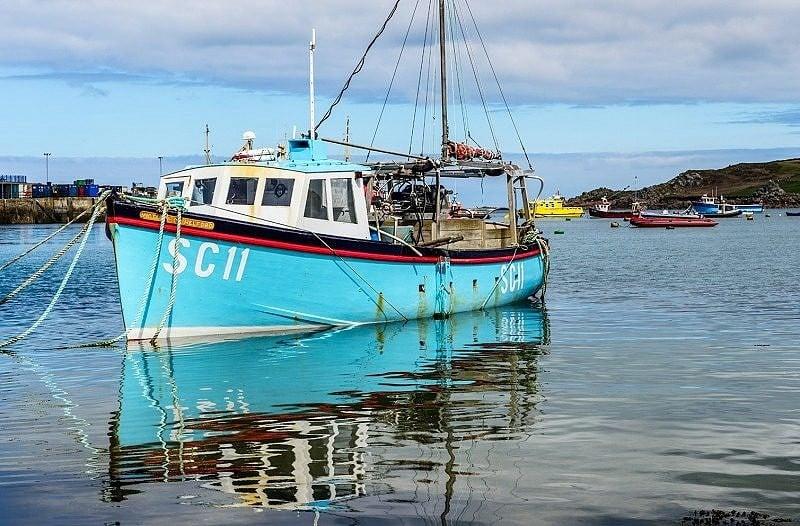 SC11 in Hugh Town Harbour