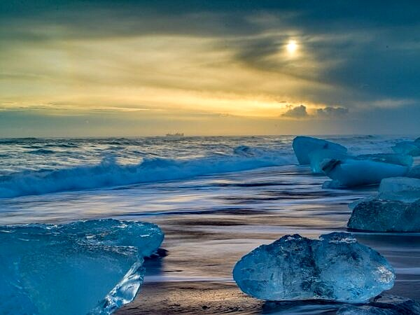 Jokulsarlon Beach and Ice Blocks Iceland